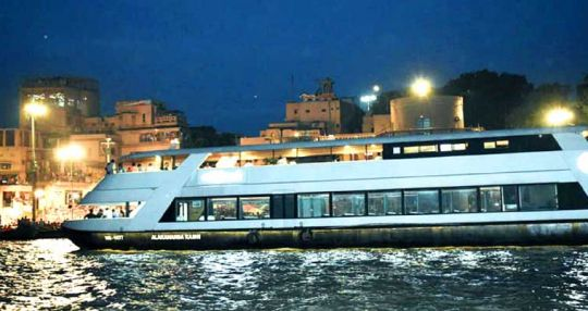 Cruise and Boat Booking for Ganga Arti